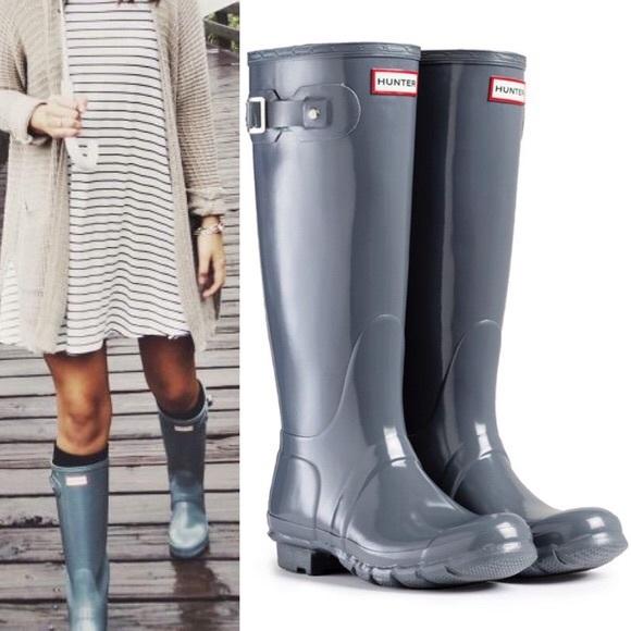 b8b9dfefbc38 Hunters Women s Original Tall Gloss Rain Boots. M 5bde506e34a4ef29fa8e46fe